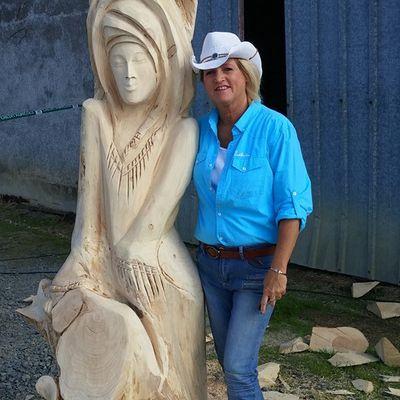 Sculpture réaliser au Festival country à Contigné (France)