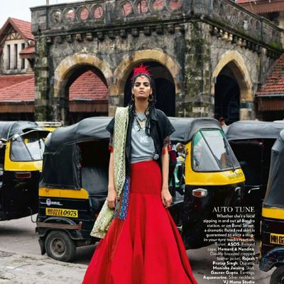 Le mannequin Bhumika Arora pose pour Vogue India (octobre 2015)