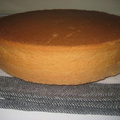 Recette de base de la Génoise ( sans levure, ni beurre )
