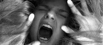 Descubre como entender y superar las emociones destructivas