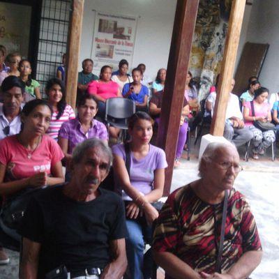 MUESTRA GRÁFICA:  ENTREGA DE CERTIFICADOS  Y RECONOCIMIENTOS  A PARTICIPANTES DE LOS TALLERES DE PATIOS SOCIOPRODUCTIVOS.......