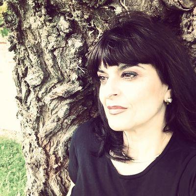 COACH LEVANA MEDIUM : Je ne fais que transmettre ce que je vois et ce que j'entends.