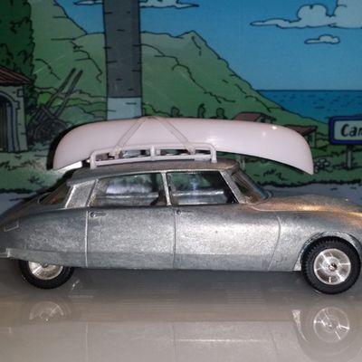 Prototype brut avant peinture de la DS Citroën Minialuxe au salon Rétromobile