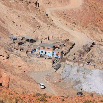 MINES : BOIS-DU-LUC EN BELGIQUE ET POTOSI EN BOLIVIE