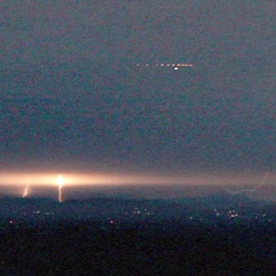 UFO lights filmed during thunderstorm in CANADA !!! August 2016
