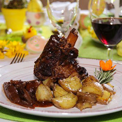Souris d'agneau braisées au vin rouge aux échalotes