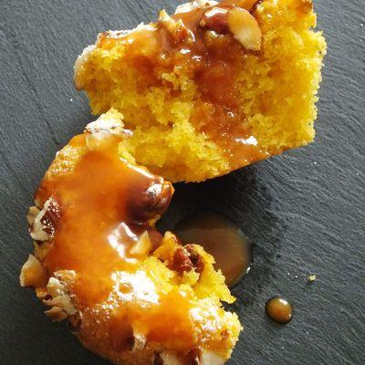 Petits gateaux aux amandes et sauce caramel