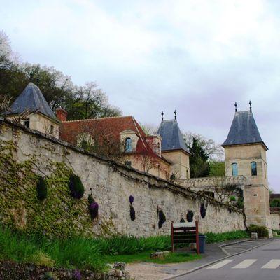 La Route des Maisons d'Ecrivains. Le château de Médan et la Maison Zola