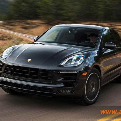 Location Porsche Macan pack turbo à casablanca