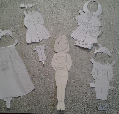 Les poupées à découper