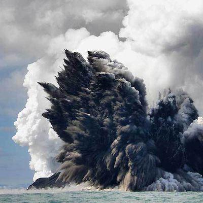 Une éruption sous-marine...