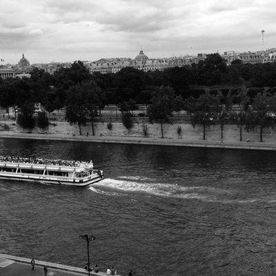 Paris avance