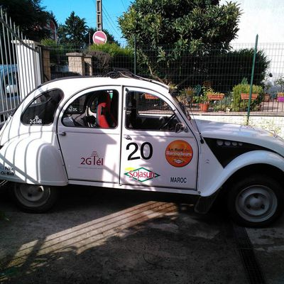 Les Tribulations d'une 2CV en Chine