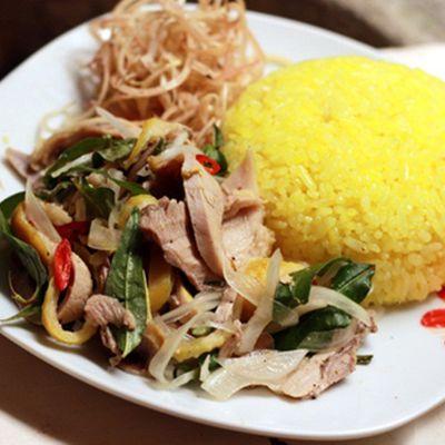 Cách nấu cơm gà đặc sản xứ Quảng