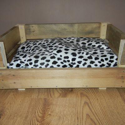 panier / canapé / lit pour chien ou chat en bois