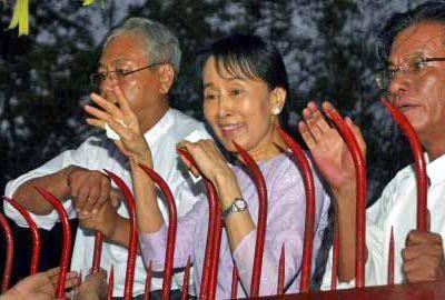 """Aung San Suu Kyi libérée ou """"libérée"""" ?"""
