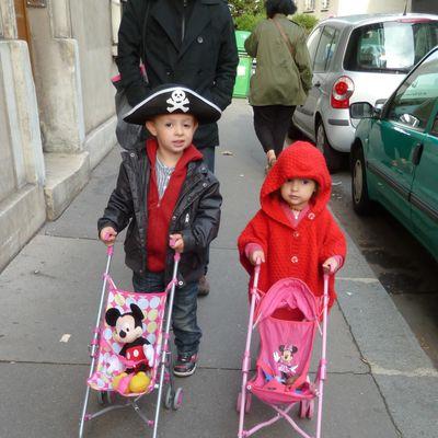 Quand le petit chaperon rouge et capitaine pirate sont de sortie