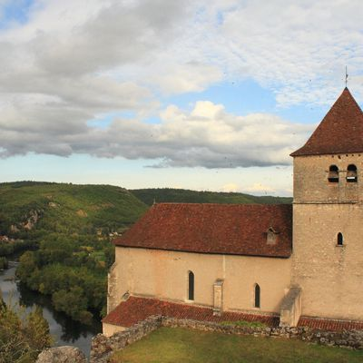 Les hirondelles de fenêtre à Saint-Cirq-Lapopie
