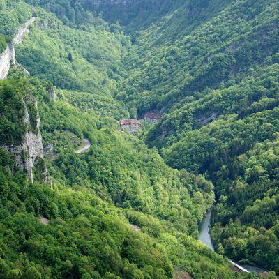 Le Rocher de Hautepierre (Vallée de la Loue - Doubs)
