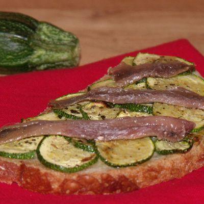 Bruschetta courgettes / anchois (ou lardons)