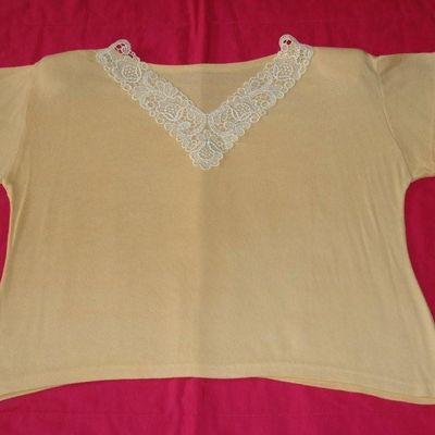 Tee shirt jaune avec broderie blanche - Taille 38