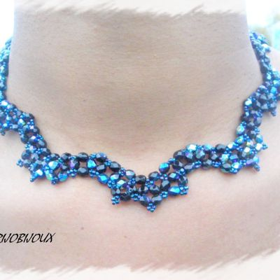 COLLIER SCALLOPED LACE