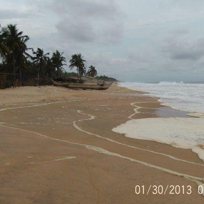 PLAGE DE MONDOUKOU en COTE D'IVOIRE