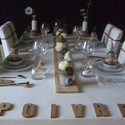 table ficelle et poivre noir