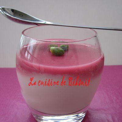 Crème de riz à la gelée de roses