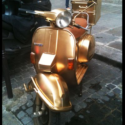 Le Vespa Total Gold