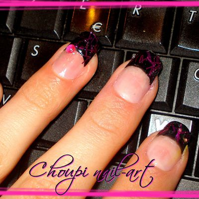 French en gel noir et paillettes fil rose