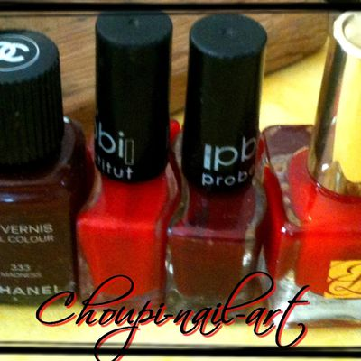Vernis rouge et bordeau =)