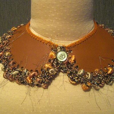 Collier Claudine cuir 122