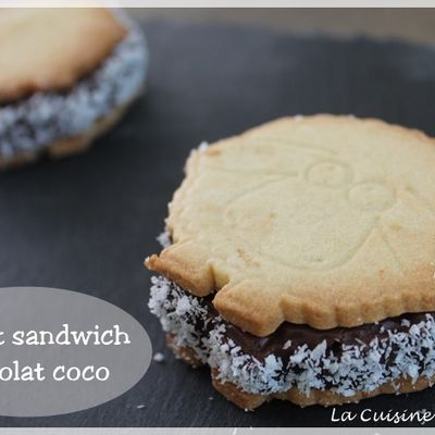 Biscuits sandwich comme une tarte chocolat coco