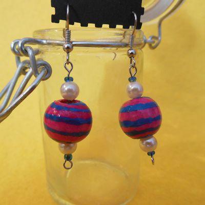 Boucles d'Oreilles17 (Perles en Bois Peintes et Vernies à la main) - Février 2013