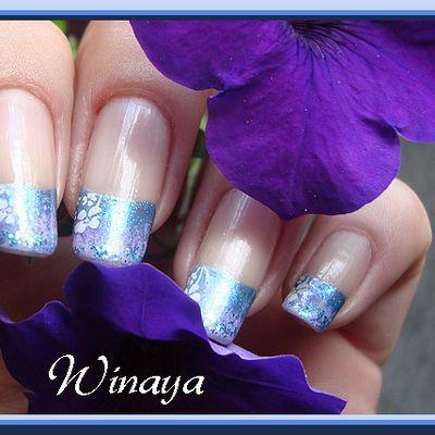 Nail art degradé eponge bleu-mauve