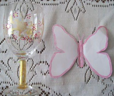 mariage, des papillons en marque place