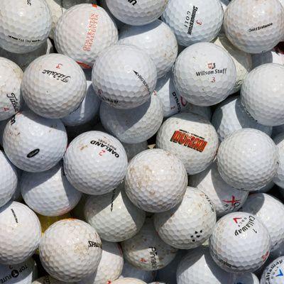Quelles balles de golf choisir pour un débutant ?