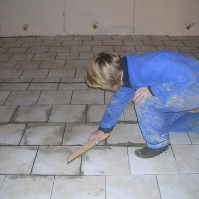 Comment faire les joints de carrelage au sol astuces for Faire joints de carrelage