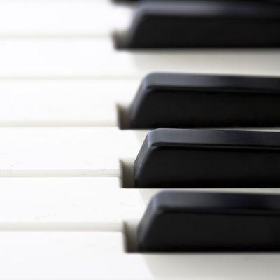 Comment choisir un piano numérique ? (conseils)