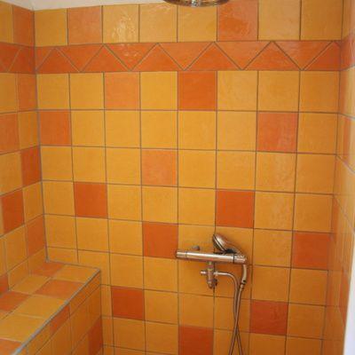 Quelles sont les enseignes vendant des pare-baignoires au meilleur prix?