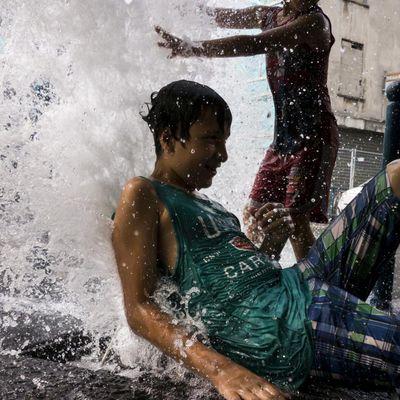 Île-de-France : l'équivalent de 60 piscines olympiques gaspillées à cause de l'ouverture des bouches incendie