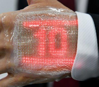 En route vers la marque de la bête : un Japonais invente un écran à LED comparable à une seconde peau