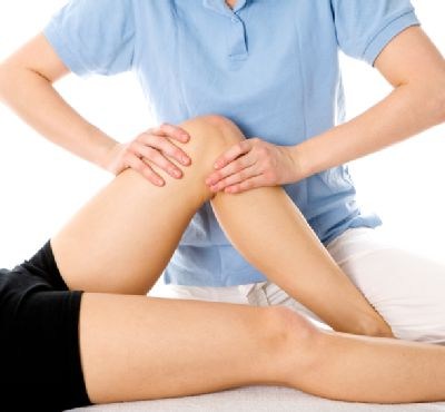 Signs as well as treatments of knee injuries