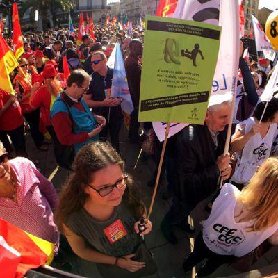 Face à la Casse sociale Macron/Medef/Requins de la finance, Près de 6000 manifestant(e)s dans les rues de Toulon et Draguignan !