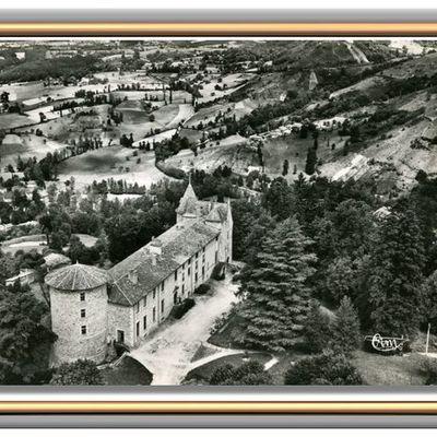 VOLLORE-VILLE (Puy-de-Dôme) - Vue aérienne du Château.