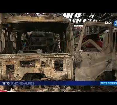 Vidéo | Loire : incendie à la caserne de pompiers de Montbrison, quatre pompiers blessés légèrement