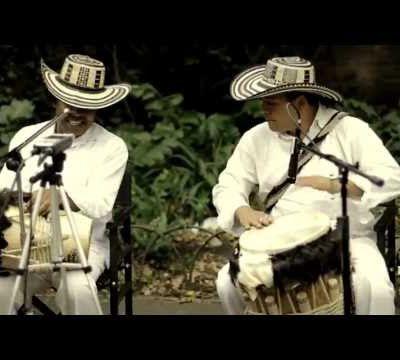 Viene Amaneciendo - Gaiteros de San Jacinto