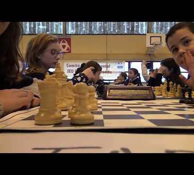 Clip-vidéo : Championnat scolaire d'échecs de Gironde. 1 équipe qualifiée + 2 équipes récompensées. Bravo à tous !