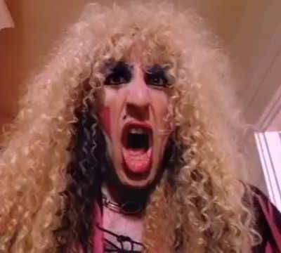 Twisted Sister We're not Gonna Take it version longue clip